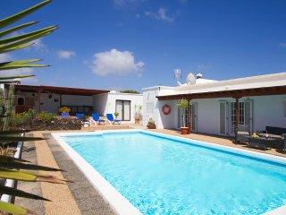 Villa Renaissance - 5 Bedrooms, 5 Ensuite - Private Pool, Air Hockey, Pool Table, Playa Blanca