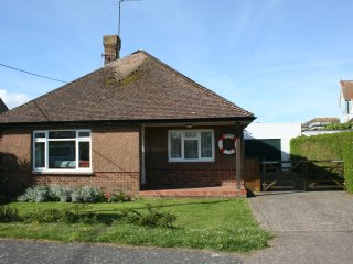 3 bedroom bungalow near the sea
