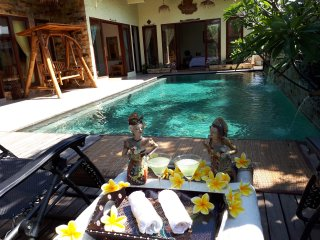Beautiful Villa in Batam; Private Pool, 3 Bed Rooms,  max 15 pax.