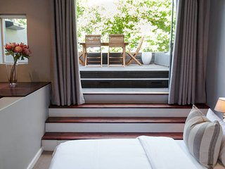 Elegant Villa, Trendy De Waterkant with parking