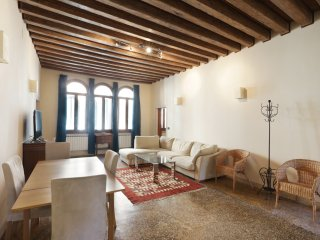 Ormesini - Nice and spacious apartment near the Historic Jewish Ghetto, Veneza