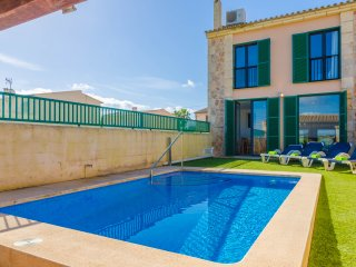 ARMONIA - nice terraced house in Ses Salines with pool for 6 people