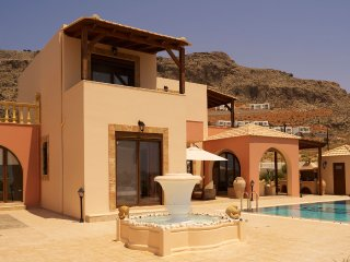 Luxury 4 Bedroom Villa in Lindos with Private Pool & Sea View