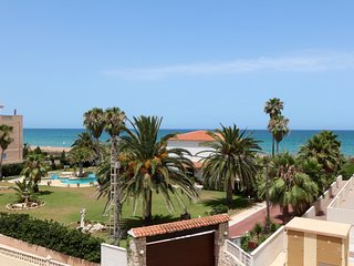 Very cozy apartment by the sea in 2 km from Denia!