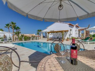 Ocean view Valencian villa with private pool near golfing, beaches, and more!