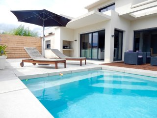 Lovely modern villa with pool near the sea in Villeneuve les Maguelone, Villeneuve-les-Maguelone