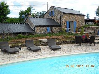 gite de charme avec piscine, Mas-Saint-Chely