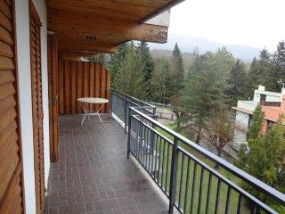 Luminoso aparatamento con terraza y zona comunitaria completamente equipado, Maçanet de Cabrenys