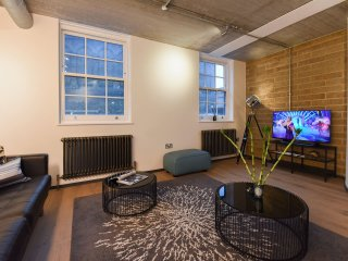 Modern New 2Bed Flat in Central London, Loft Style
