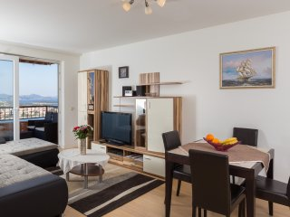 Apartment Blue Eye - One Bedroom apartment with Balcony and Sea View