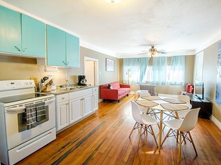 Book Urban- 1BR in Great Location near City Park & Zoo - Easy Cancel