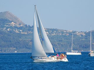sailing trips  to Sporades islands and daily  cruses to Lichadonisia islands., Raches