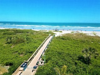 Multi-Level Oceanfront Penthouse Condo, Just Steps To The Sand, Sleeps 10 Guests