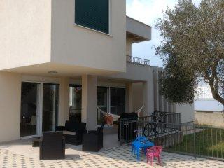 VILLA MATHILDE modern new house near to the Sea