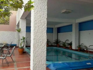 Apartment with pool, near the beach and excellent location.