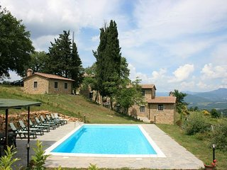 3 bedroom Villa in Casalvescovo, Tuscany, Italy : ref 5477327