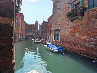 2 bedroom Villa in Venice, Veneto, Italy : ref 2269225