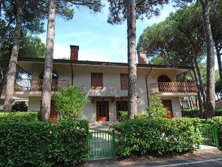 3 bedroom Apartment in Lignano Sabbiadoro, Friuli Venezia Giulia, Italy : ref 54