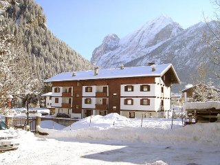 2 bedroom Apartment in Canazei, Trentino-Alto Adige, Italy : ref 5477582