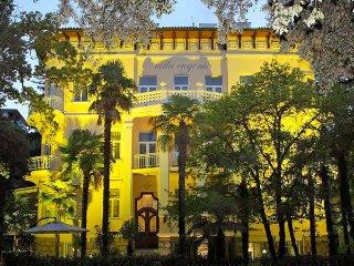 15 bedroom Villa in Rijeka, Primorsko-goranska Zupanija, Croatia : ref 2271147