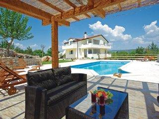 5 bedroom Villa in Makarska-Grubine, Makarska, Croatia : ref 2277192, Donji Prolozac