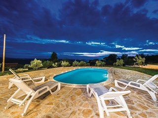7 bedroom Villa in Zadar-Krusevo, Zadar, Croatia : ref 2277385