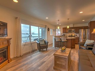 NEW! Waterfront 3BR Port Orchard Apartment!