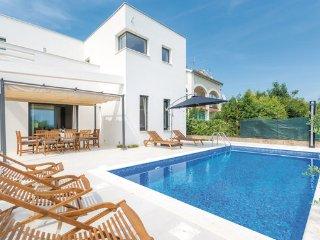 4 bedroom Villa in Trogir, Trogir, Croatia : ref 2278460