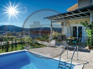 4 bedroom Villa in Dubrovnik-Srebreno, Dubrovnik Riviera, Croatia : ref 2278776