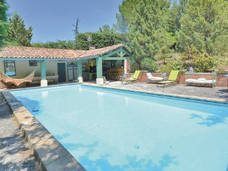 2 bedroom Villa in Roussillon, Vaucluse, France : ref 2279285