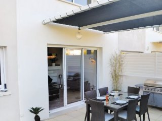 3 bedroom Villa in Carro, Bouches Du Rhone, France : ref 2279347, La Couronne