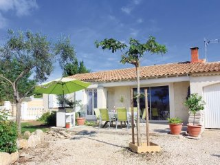 3 bedroom Villa in Rochefort Du Gard, Gard, France : ref 2279348