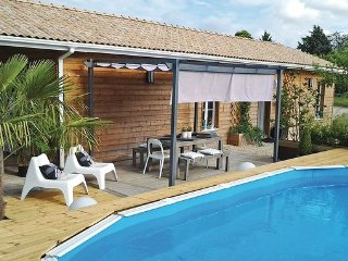 2 bedroom Villa in Saint-Michel-L Ecluse-et-Lepar, Dordogne, France : ref, La Roche Chalais