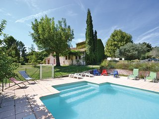 7 bedroom Villa in Carpentras, Vaucluse, France : ref 2279688