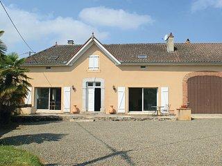 4 bedroom Villa in Sombrun, Hautes-pyrenees, France : ref 2279695, Maubourguet