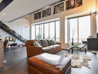 Luxury NYC Loft - Middle of Chapel St + Parking