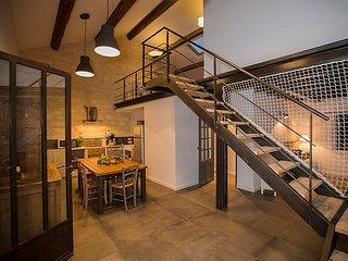 3 bedroom Apartment in Les Baux de Provence, Provence, France : ref 2283694