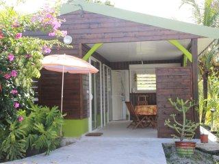 Joli bungalow dans un petit coin de verdure