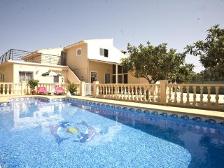 3 bedroom Chalet in Altea, Alicante, Costa Blanca, Spain : ref 2288831, Altea la Vella