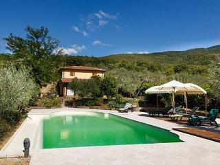 4 bedroom Villa in Cortona, Arezzo Area, Tuscany, Italy : ref 2293248