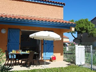 1 bedroom Villa with Air Con, WiFi and Walk to Beach & Shops - 5035609
