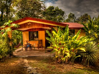 Tranquil and secluded 3BR 20min from Dominical