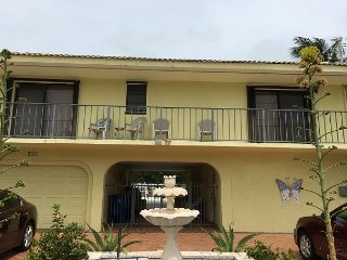 Canal, pool, 2 bedrooms and a great breezeway! Key Colony Beach, Florida Keys