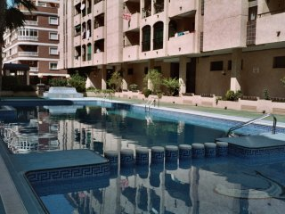 gran piscina , aire acond, 1 dort