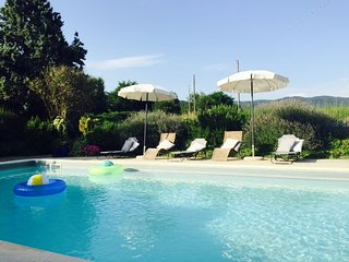 Tuscan Millhouse, LOVELY HOME,  EXCLUSIVE USE OF POOL, GARDENS AND Stunning View