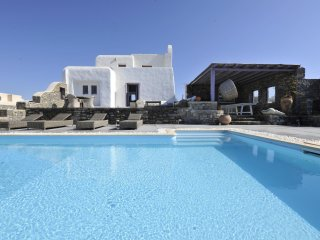 Executive Four Bedroom Villa Sea View with Private Pool