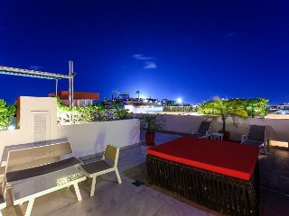 Superb Penthouse in A Prime Downtown Location on 5th Avenue in Playa del, Playa del Carmen