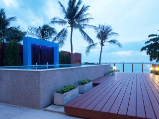 Grand villa suite house face to beach, Surat Thani