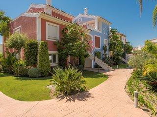 Oasis de paz y lujo para disfrutar del sol y el Golf en Estepona