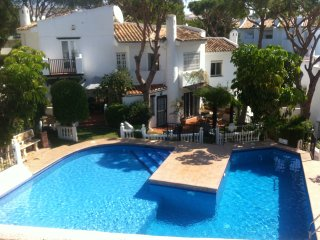 Andalucia Costa del Sol Townhouse for Holidays, Sitio de Calahonda